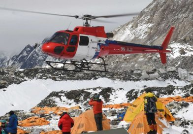 Over thousand tourists, guides rescued from several places