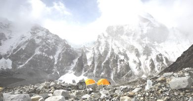 Bahrain prince and the team successfully scale Everest